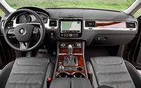 Picture of 2013 Volkswagen Touareg VR6 Executive, interior