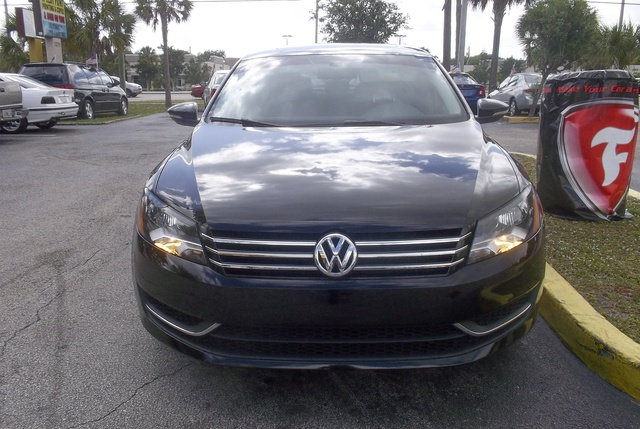 Picture of 2012 Volkswagen Passat