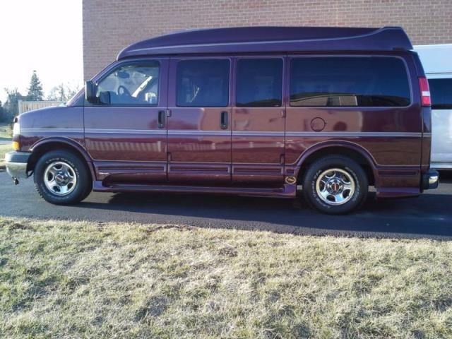 Picture of 2005 GMC Savana 1500  Passenger Van