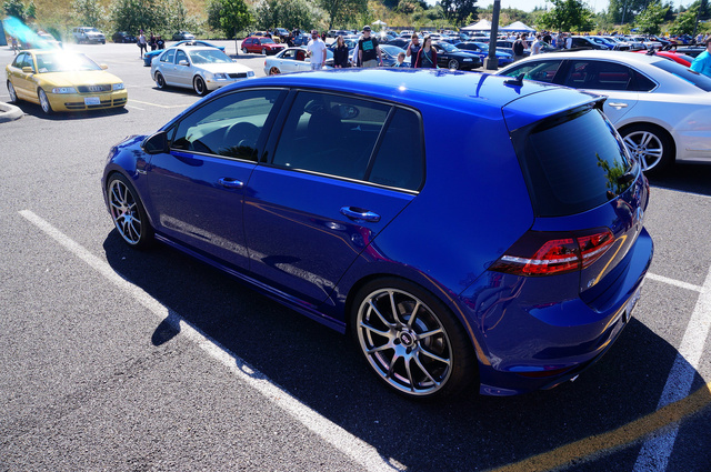 2016 volkswagen golf r pictures cargurus. Black Bedroom Furniture Sets. Home Design Ideas