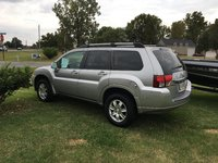Picture of 2010 Mitsubishi Endeavor LS, exterior, gallery_worthy