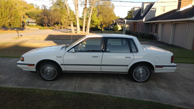Picture of 1987 Oldsmobile Cutlass Ciera