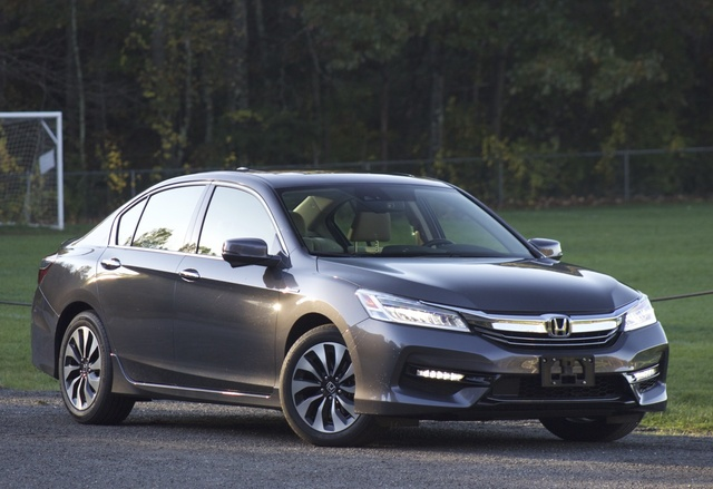 Exterior of 2017 Honda Accord Hybrid, exterior, gallery_worthy