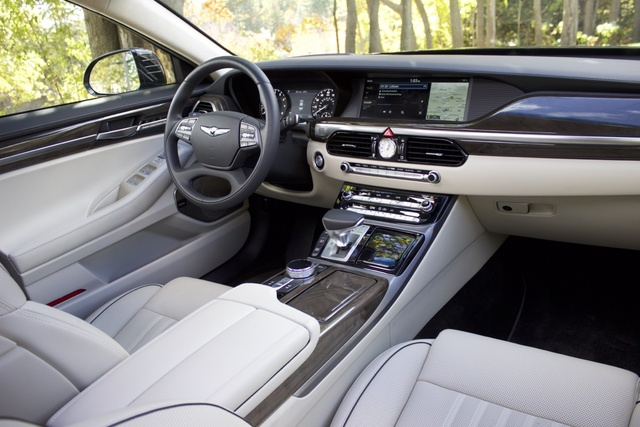Interior of the 2017 Genesis G90, interior, gallery_worthy