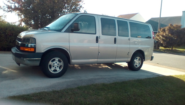 Picture of 2005 Chevrolet Express G1500 AWD Passenger Van