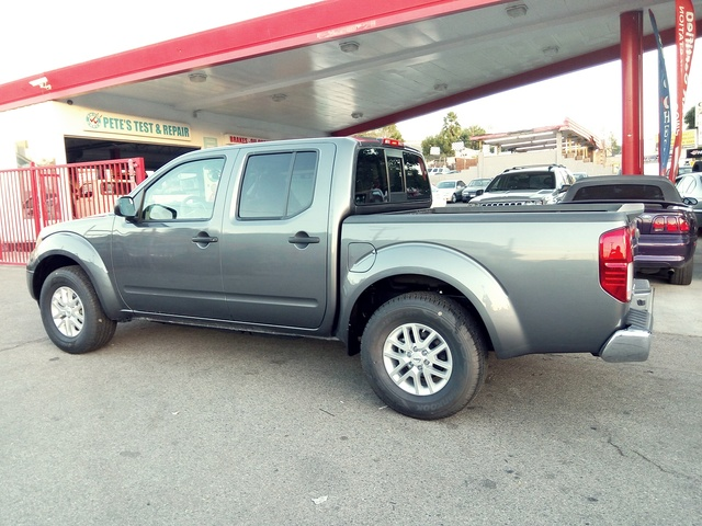 Picture of 2016 Nissan Frontier SV Crew Cab, exterior, gallery_worthy