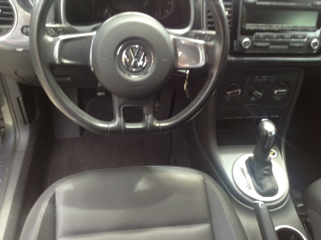Picture of 2012 Volkswagen Beetle 2.5L PZEV, interior, gallery_worthy