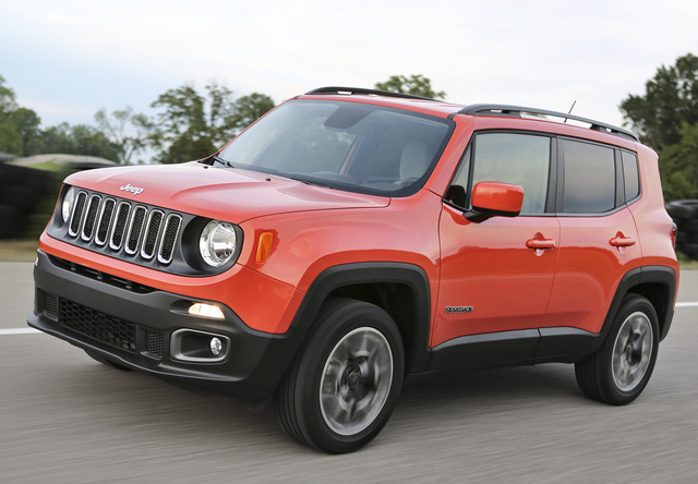 2017 Jeep Renegade, Front-quarter view, exterior, manufacturer, gallery_worthy