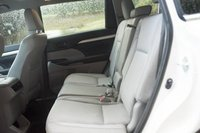 Picture of 2015 Toyota Highlander LE, interior