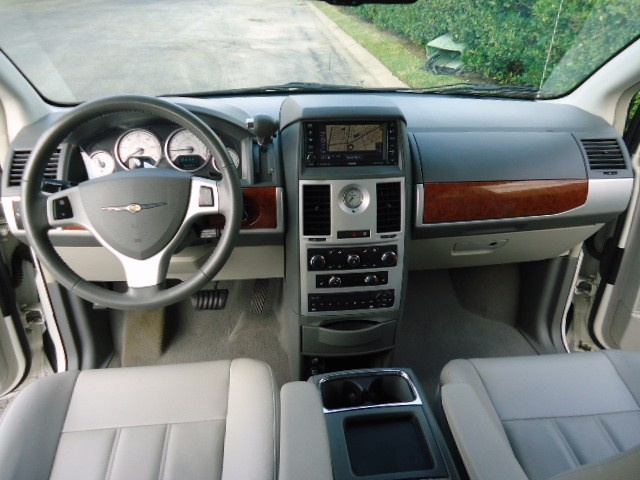 chrysler town and country interior. Black Bedroom Furniture Sets. Home Design Ideas
