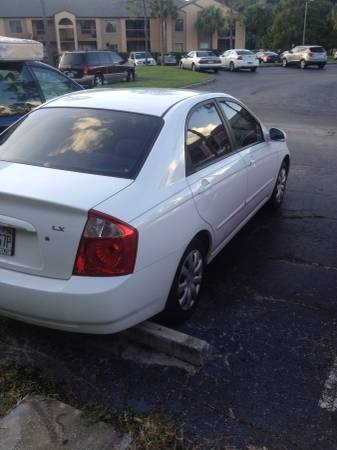 Picture of 2002 Kia Spectra Base