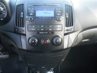 Picture of 2009 Hyundai Elantra Touring Automatic, interior