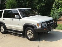 Picture of 2001 Isuzu Trooper 4 Dr Limited 4WD SUV, exterior