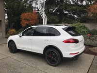 Picture of 2017 Porsche Cayenne Turbo, exterior