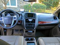 Picture of 2016 Chrysler Town & Country Touring, interior
