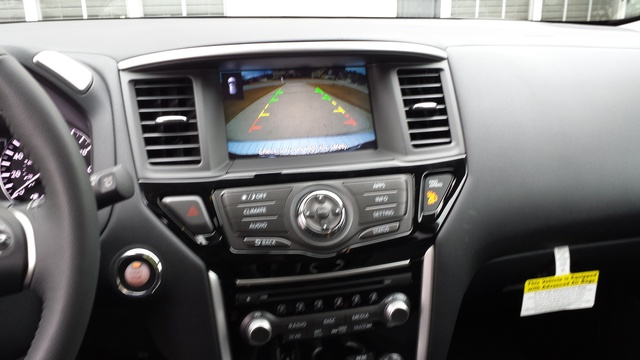 Picture of 2017 Nissan Pathfinder SV, interior, gallery_worthy