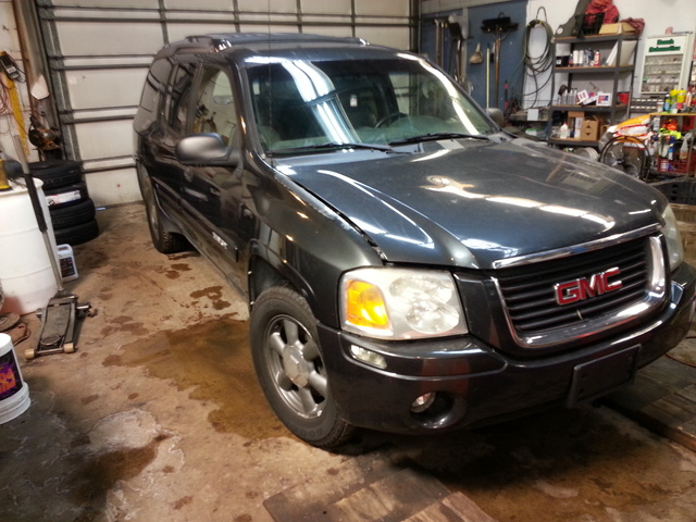 Picture of 2004 GMC Envoy XUV 4 Dr SLE 4WD SUV, exterior