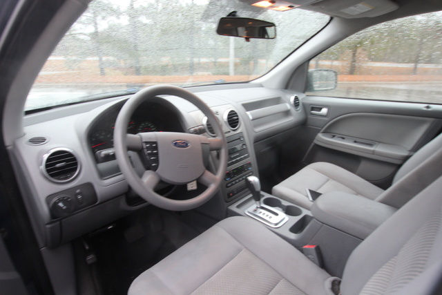 Ford Freestyle Se Awd Pic X on 2005 Ford 500 Sel Specs
