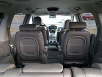 Picture of 2007 Hyundai Entourage Limited, interior