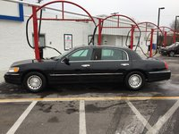 Picture of 2001 Lincoln Town Car Executive L, exterior