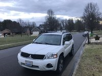 Picture of 2011 Mitsubishi Endeavor SE AWD, exterior, gallery_worthy