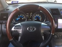 Picture of 2011 Toyota Highlander Hybrid Base, interior