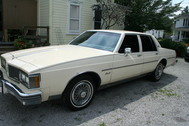 Picture of 1985 Oldsmobile Eighty-Eight