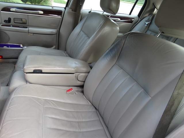 2006 lincoln town car interior pictures cargurus. Black Bedroom Furniture Sets. Home Design Ideas