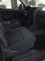 Picture of 2004 Nissan Frontier 2 Dr XE 4WD Extended Cab SB, interior