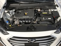 Picture of 2017 Hyundai Elantra SE Sedan FWD, engine, gallery_worthy
