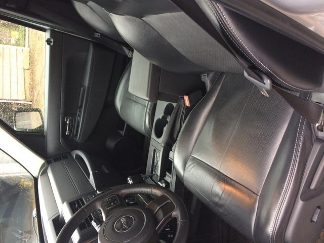 2012 jeep liberty interior pictures cargurus. Black Bedroom Furniture Sets. Home Design Ideas
