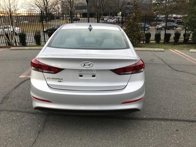 Picture of 2017 Hyundai Elantra SE Value Edition Sedan FWD, exterior, gallery_worthy