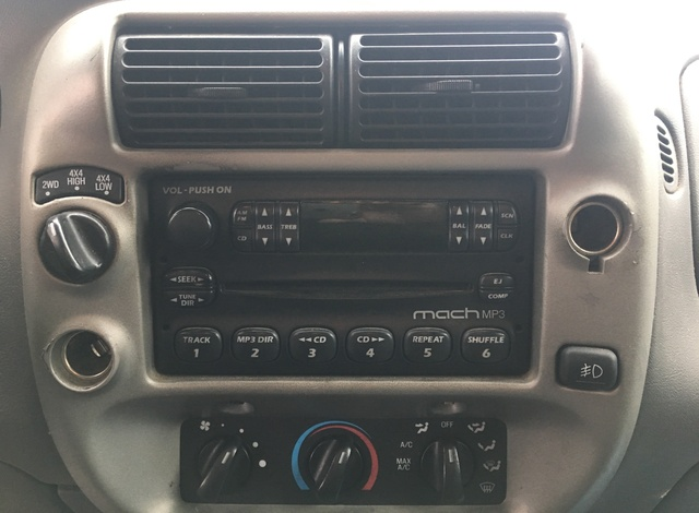 2004 Ford Ranger Xlt >> 2003 Ford Ranger - Interior Pictures - CarGurus