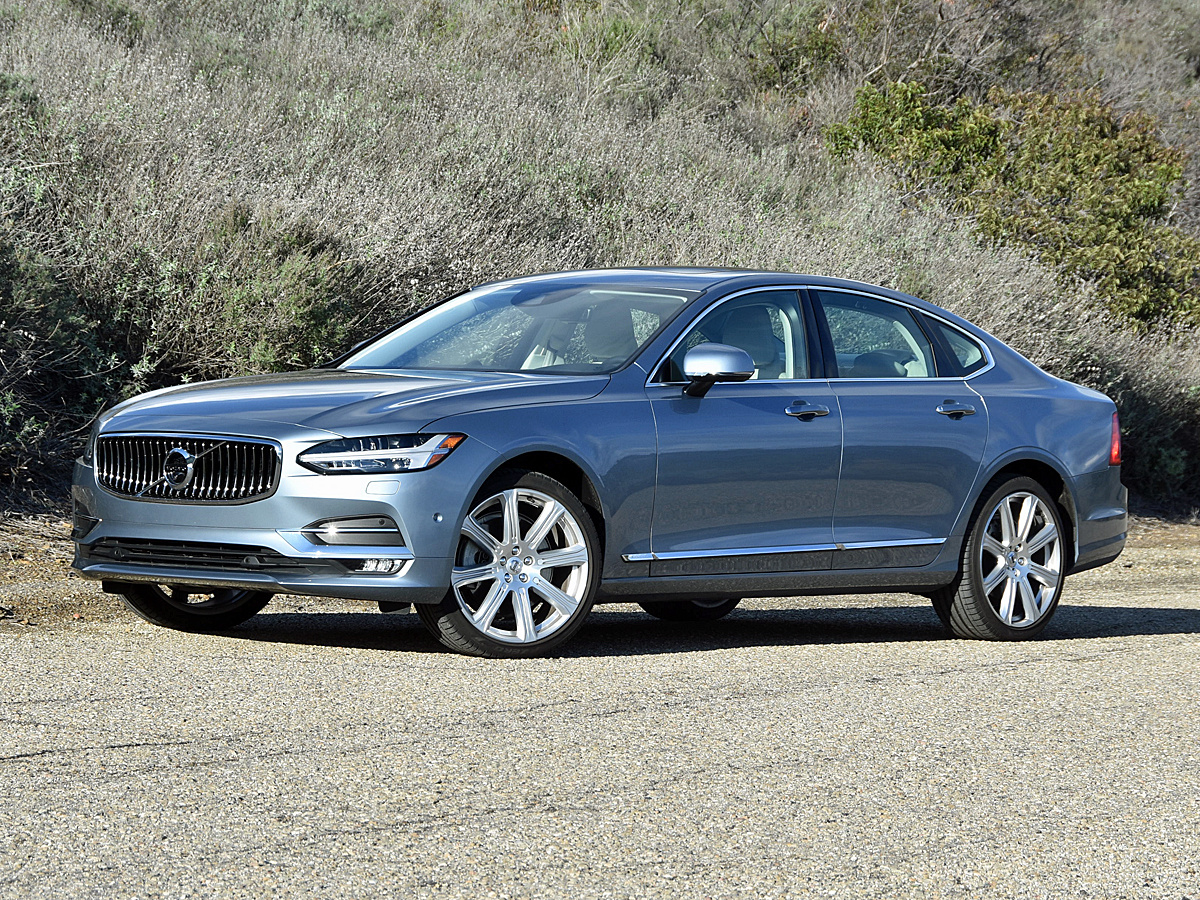 2017 Volvo S90 T6 in Mussel Blue