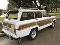 1990 Jeep Grand Wagoneer Picture Gallery