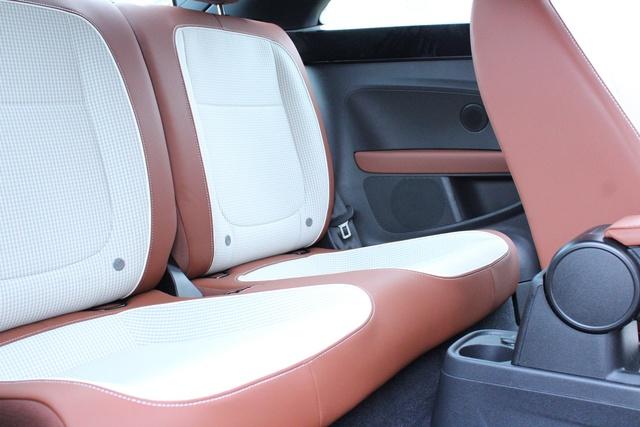 Picture of 2015 Volkswagen Beetle 1.8T, interior, gallery_worthy