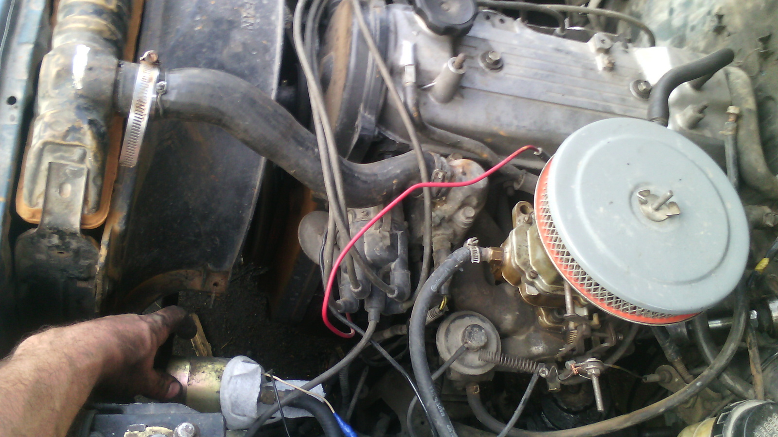 1987 Dodge Ram 50 Fuel Filter Location Wiring Diagrams Data Base 2004 1500 V6 Pickup Questions Donde Esta La Bomba De Gasolina Rh Cargurus Com On 2500 For Frente Del Motor Enseguida