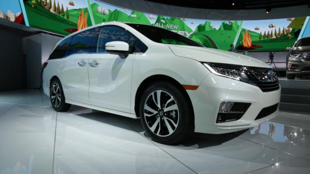 2018 Honda Odyssey front-quarter view