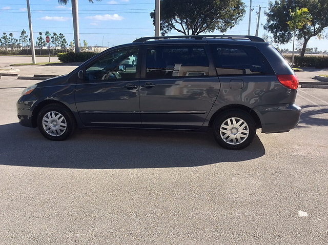 Picture of 2006 Toyota Sienna CE