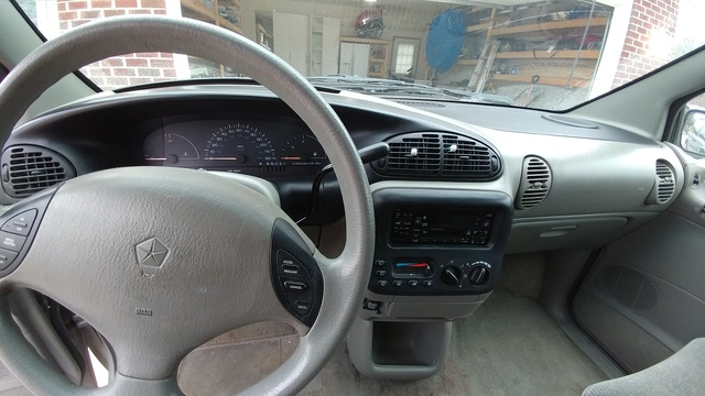 Picture of 1996 Dodge Caravan 3 Dr ES Passenger Van, interior