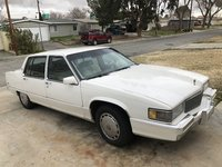 Picture of 1989 Cadillac Fleetwood Base Sedan