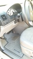Picture of 2005 Saturn Relay 4 Dr 3 Passenger Van, interior