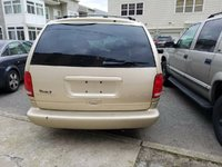Picture of 1998 Chrysler Town & Country LX, exterior