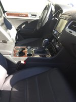 Picture of 2015 Volkswagen Touareg VR6 Lux, interior