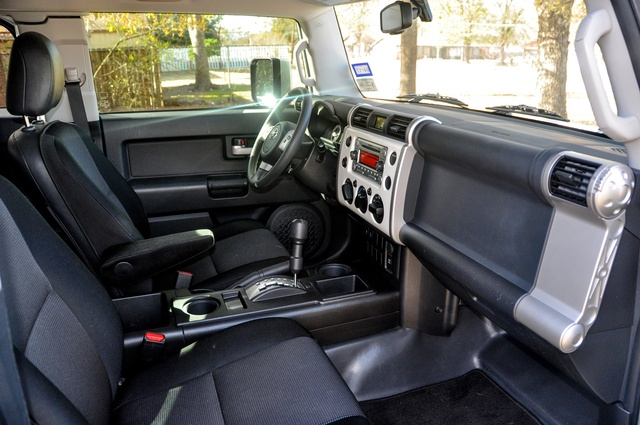 2012 toyota fj cruiser interior pictures cargurus. Black Bedroom Furniture Sets. Home Design Ideas