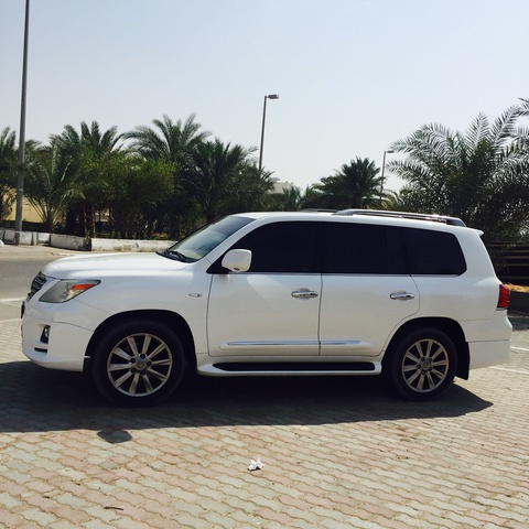 2011 Lexus LX 570 Review