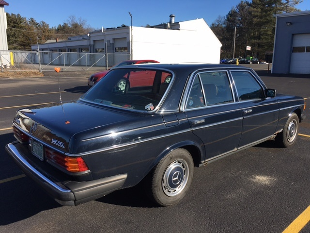 Picture of 1983 Mercedes-Benz 240 D