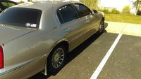 Picture of 2000 Lincoln Town Car Signature