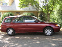 Picture of 1998 Hyundai Elantra 4 Dr STD Wagon, exterior, gallery_worthy
