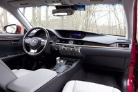 Interior of 2017 Lexus ES 300h, interior, gallery_worthy
